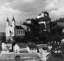 Zwangserziehungsanstalt Aarburg (oberhalb der Stadtkirche), ca. 1910 (SozArch F 7000 Fe-0002-33)