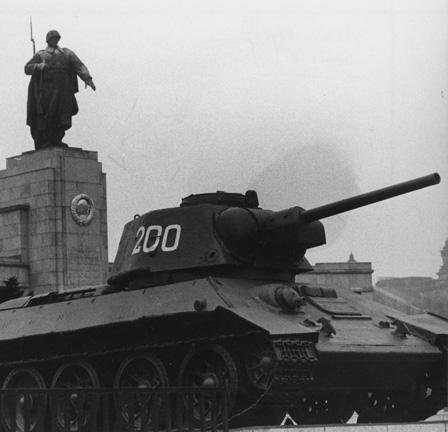 Russisches Soldatendenkmal (Sozarch_F_5032-Fc-1359)