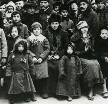 Remigration vor 100 Jahren: Nach der Russischen Revolution 1917 flüchteten viele Schweizer/innen aus Russland zurück in die alte Heimat. (SozArch_F_5119-Fb-021)