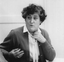 Emilie Lieberherr im Gespräch, 1978 (SozArch F 5047-Fb-315)