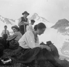 Wandervögel auf dem Jöriflesspass (GR), 1909 (SozArch F 5000-Fx-186)