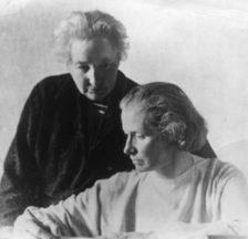 Die deutschen Frauenrechtlerinnen Anita Augspurg (l.) und Lida Gustava Heymann (r.) organisierten im April 1915 einen grossen Frauenfriedenskongress im Haag und lebten von 1933 bis 1943 im Exil in Zürich (Sozarch_F_Fb-0007-08)