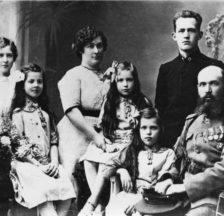 Familie Karl Stohler-Vollmer, Wladiwostok, 1915: «Am Tage der Abreise des Vaters in den Krieg» (RSA, Arch E. Zeugin)